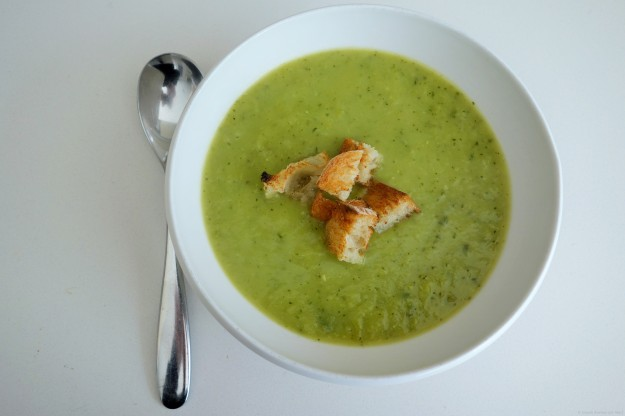 Leek, Zucchini and Pea Soup