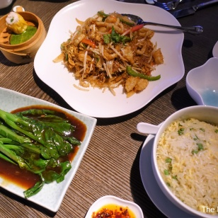 Fried rice, gai lan with oyster sauce, stir fried vermicelli with prawn and squid